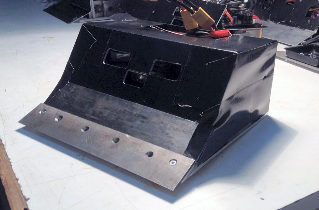 senjuro-sumo-robot-metal
